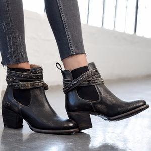 BED STU Lorn Black Handwash boots 10